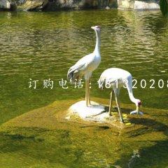 吃鱼的仙鹤雕塑 玻璃钢动物雕塑