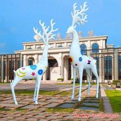 玻璃钢彩绘动物梅花鹿