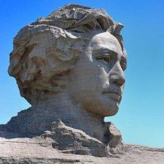 石雕大型景区青年时期毛泽头像