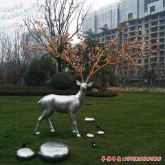 不锈钢梅花鹿鹅卵石雕塑