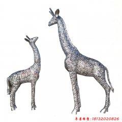 不锈钢公园镂空长颈鹿