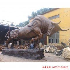 玻璃鋼仿銅企業開荒牛雕塑