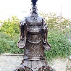 古代伟人秦始皇铜雕