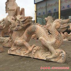 晚霞红景区广场东方龙雕塑