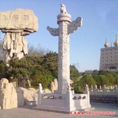 广场石雕华表龙柱