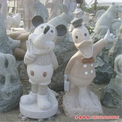 卡通米老鼠和唐老鴨石雕