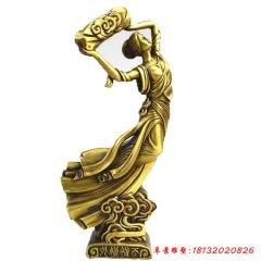 铜雕女娲补天