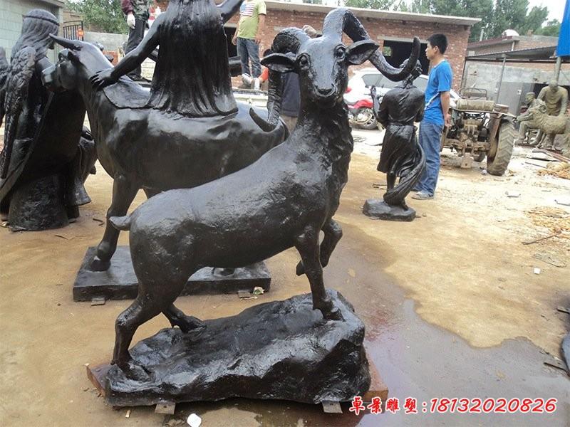公园动物铜雕羊