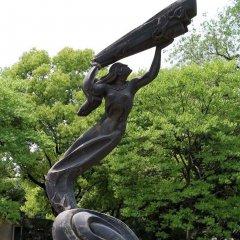 女媧補天神話人物銅雕