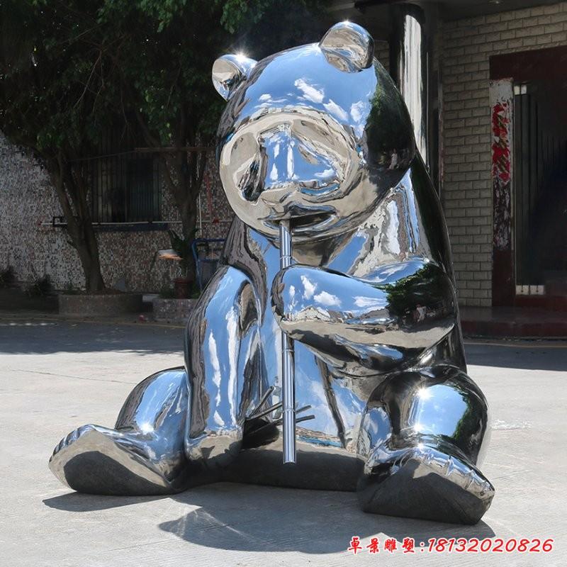 不锈钢卡通熊猫雕塑