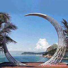 镂空不锈钢月亮雕塑