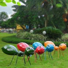 彩色不锈钢蚂蚁雕塑