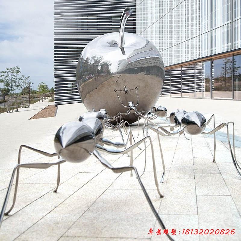 镜面不锈钢蚂蚁苹果雕塑
