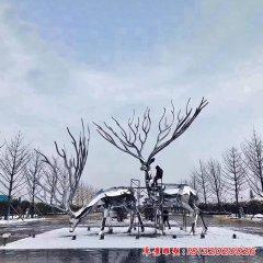 镜面不锈钢大型几何鹿雕塑