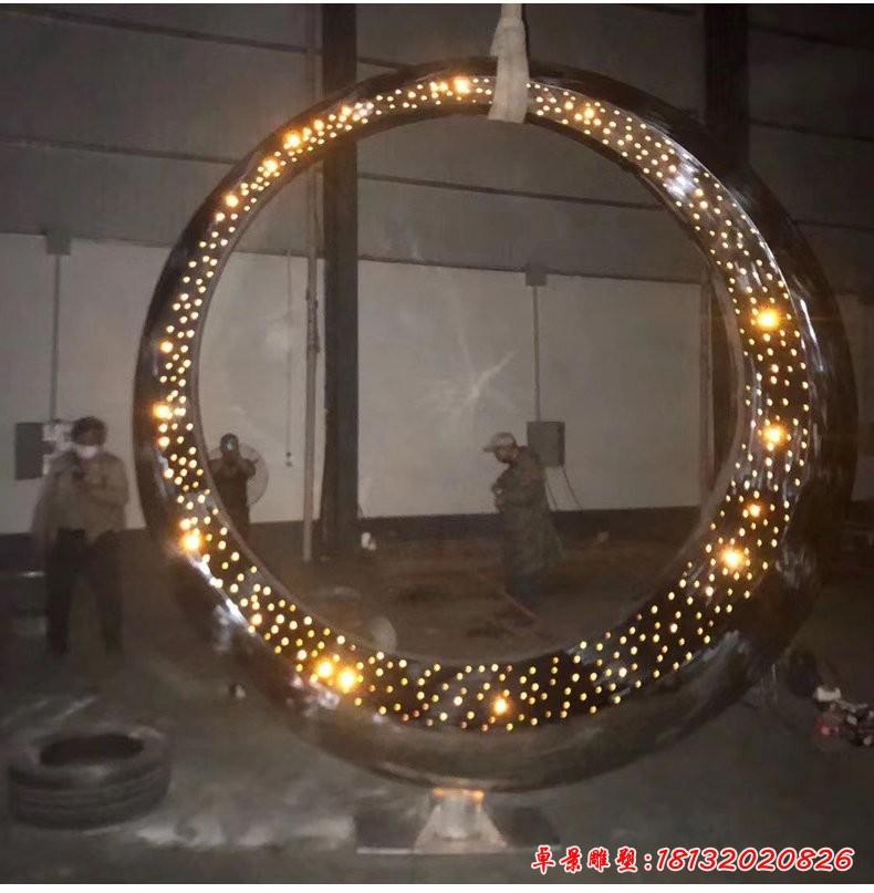 不锈钢透光圆环雕塑