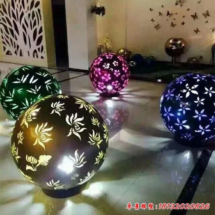 不锈钢梅兰竹菊灯光镂空球