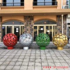 不锈钢梅兰竹菊镂空球雕塑