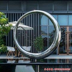 镜面不锈钢圆环水帘雕塑