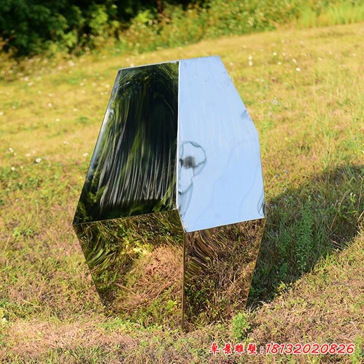 简约不锈钢块面石头雕塑
