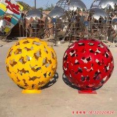 彩色不锈钢蝴蝶镂空球雕塑