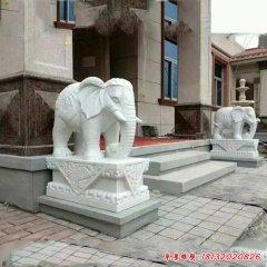 别墅门口石雕大象