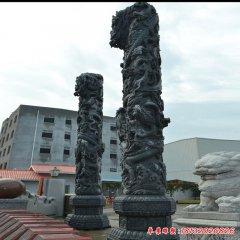 广场石雕盘龙柱