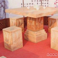 別墅庭院方形石桌凳
