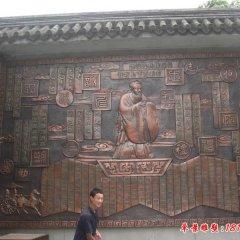 校园孔子铜浮雕