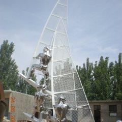 不銹鋼運動人物帆船比賽雕塑