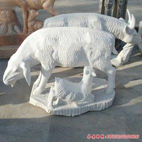 羊羔跪乳雕塑