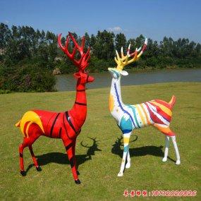 梅花鹿彩繪雕塑